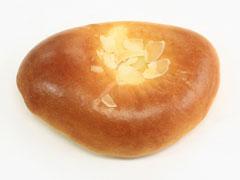 『ふわとろクリームパン』にリニューアル!